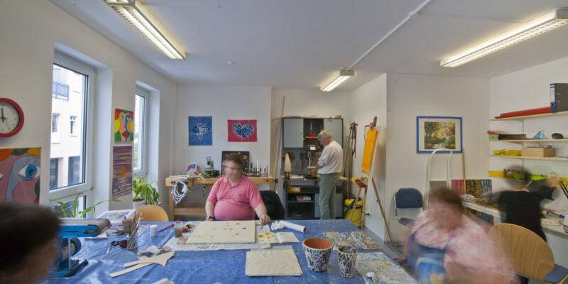 #1087 (kein Titel) – Neben der Tagesstruktur gibt es in den Tagesstätten des Erthal-Sozialwerks auch zahlreiche Freizeit- und Gesprächsangebote.